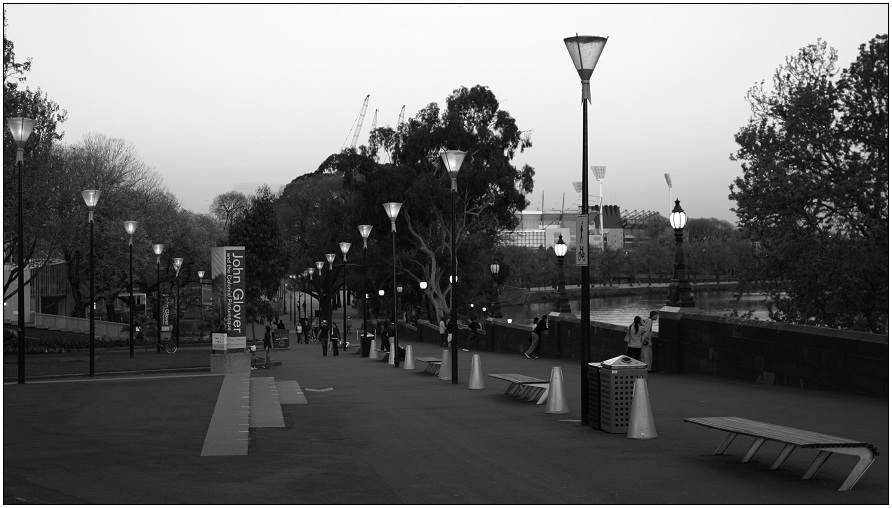 Melbourne: Behind Fed Square