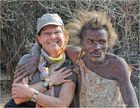 MEMORIAS DE AFRICA- DE CUANDO LA JEFA POSO CON UN HADZABE-TANZANIA