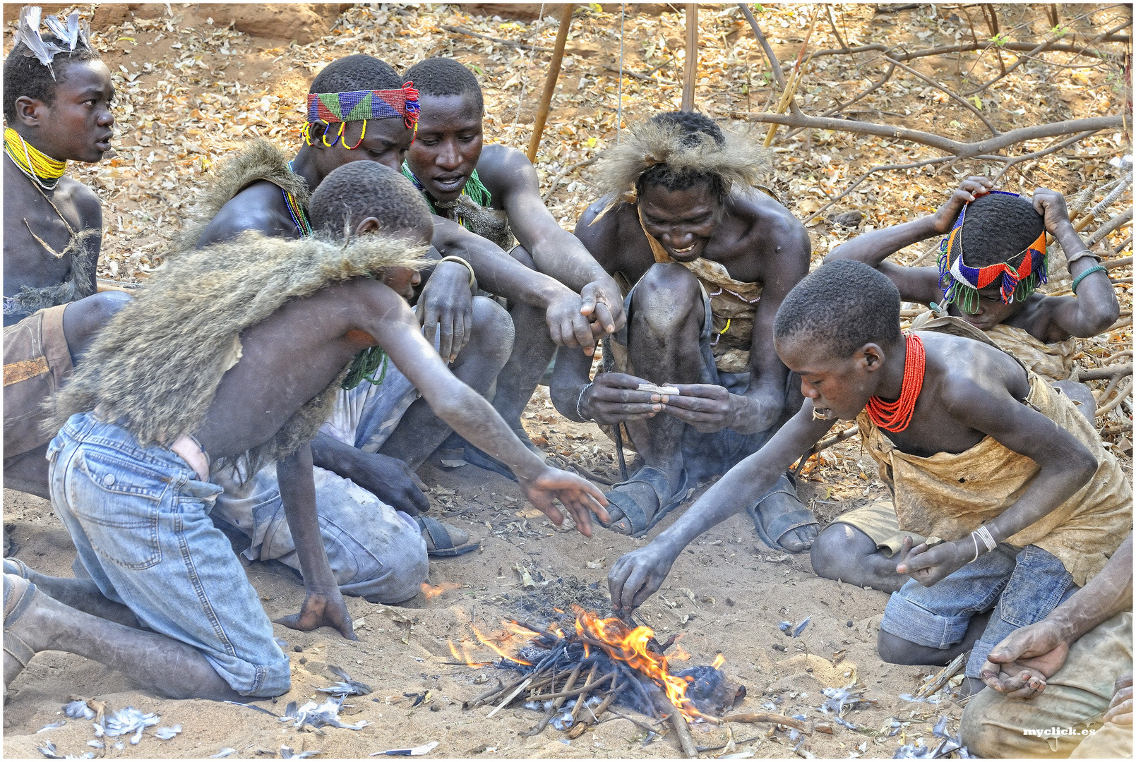 MEMORIAS DE AFRICA-¿DESAYUNO O ALMUERZO? LOS HADZABES