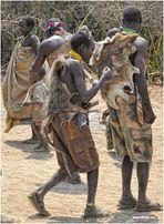 MEMORIAS DE AFRICA -EL BAILE DE LOS HAZABES