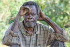 MEMORIAS DE AFRICA-EL HOMBRE DE LA MIRADA PERDIDA2 -UGANDA