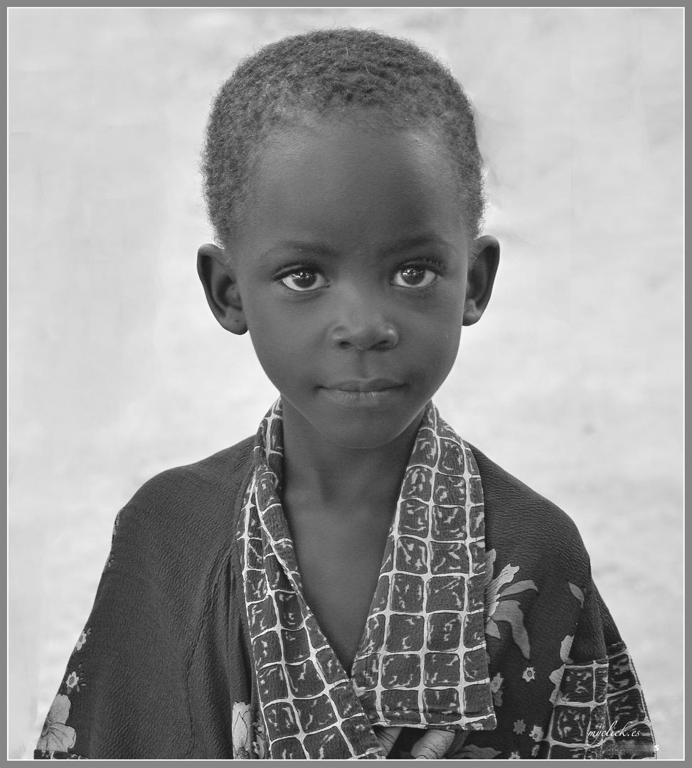 MEMORIAS DE AFRICA-EL NIÑO QUE NO TENIA CAMISA -UGANDA
