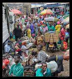 MEMORIAS DE AFRICA-EN EL MERCADO DE KAMPALA 2.-UGANDA