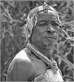 MEMORIAS DE AFRICA -JEFE HADZABE UNA LECCION DEMOCRATICA-EYASY-TANZANIA