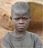 MEMORIAS DE AFRICA-JOVEN-KALAGALA-UGANDA