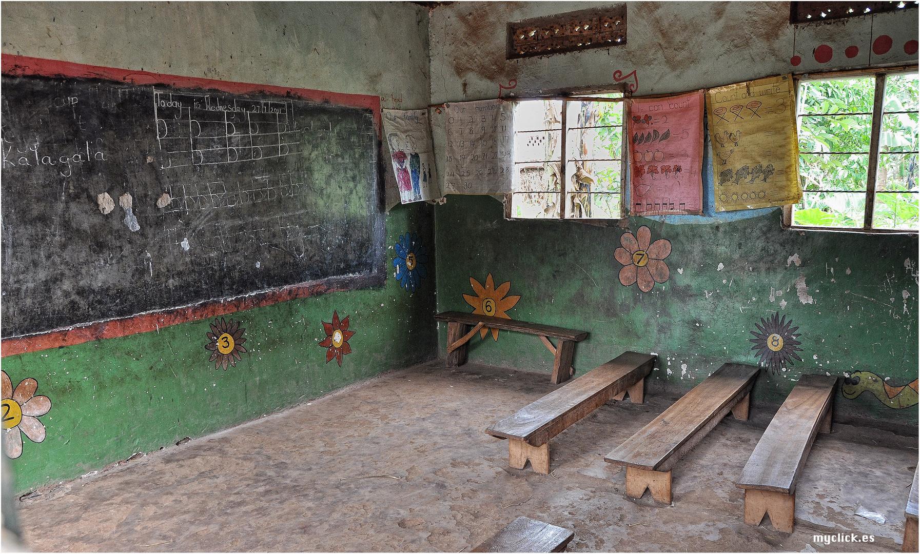 MEMORIAS DE AFRICA-LA ESCUELA  DE KALAGALA-UGANDA