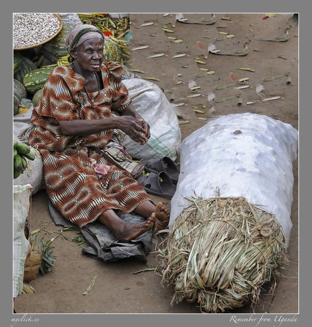 MEMORIAS DE AFRICA -LA VENDEDORA DESCALZA-UGANDA