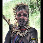 MEMORIAS DE AFRICA- MUJER MURSI-BAJO OMO-ETIOPIA