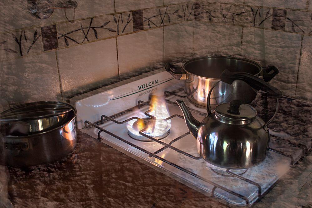 Menaje de cocina imagen foto fotos cocina cacerolas for Menaje de cocina