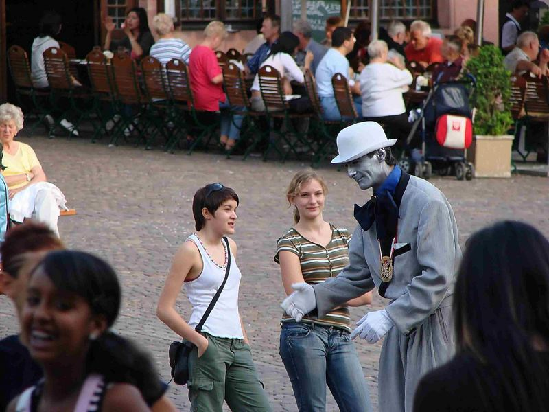 Menschen am Frankfurter Römer