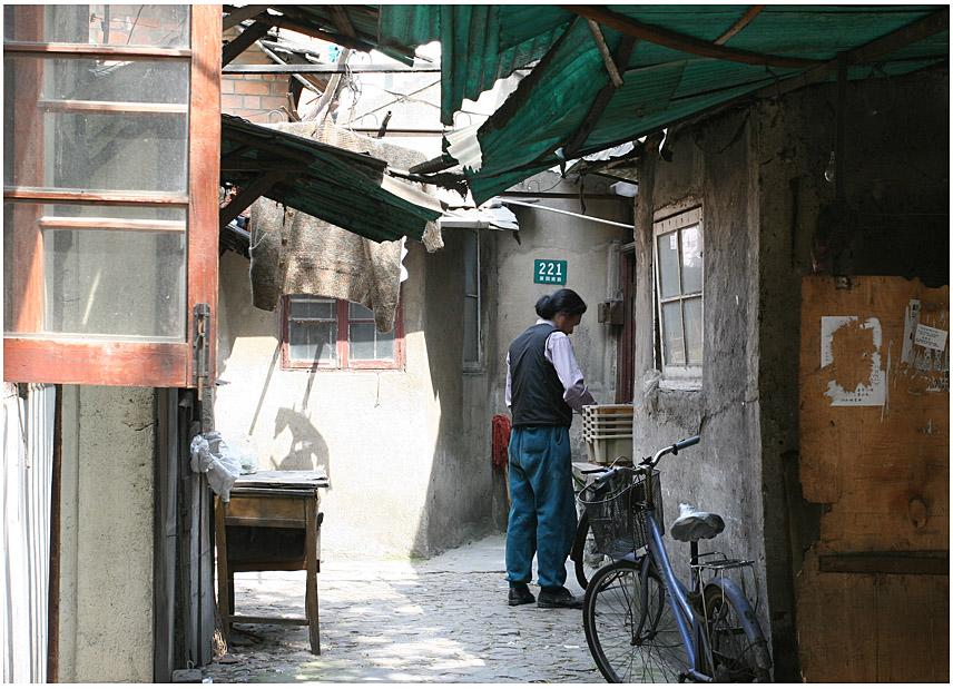 Menschen in den Strassen von Shanghai II