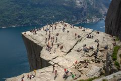 Menschenmassen am Preikestolen, Norway