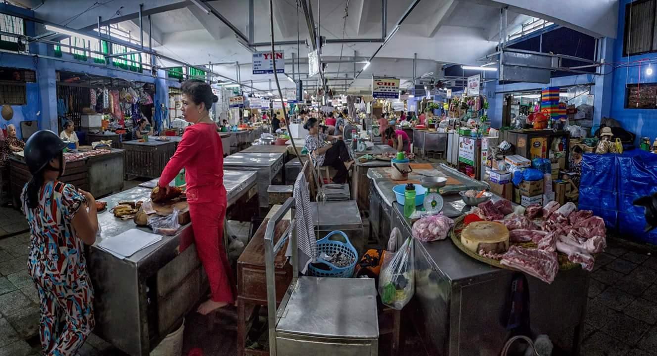 Mercado en Hue (Vietnam ). Panorámica