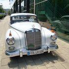 Mercedes 300 Adenauer.....