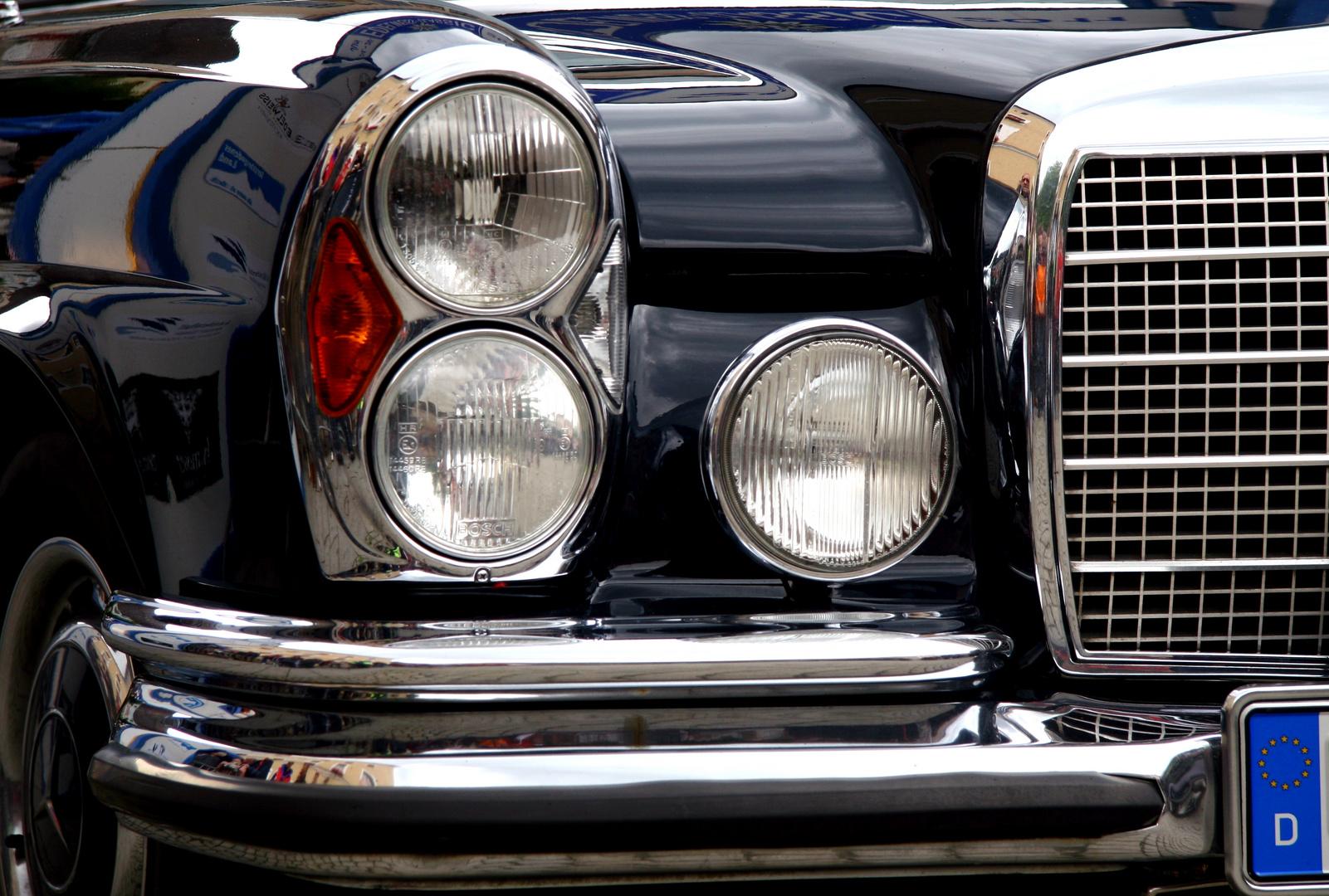 Mercedes Benz Detail