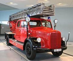 Mercedes-Benz Museum 04