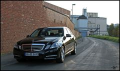MERCEDES E-Klasse CAR