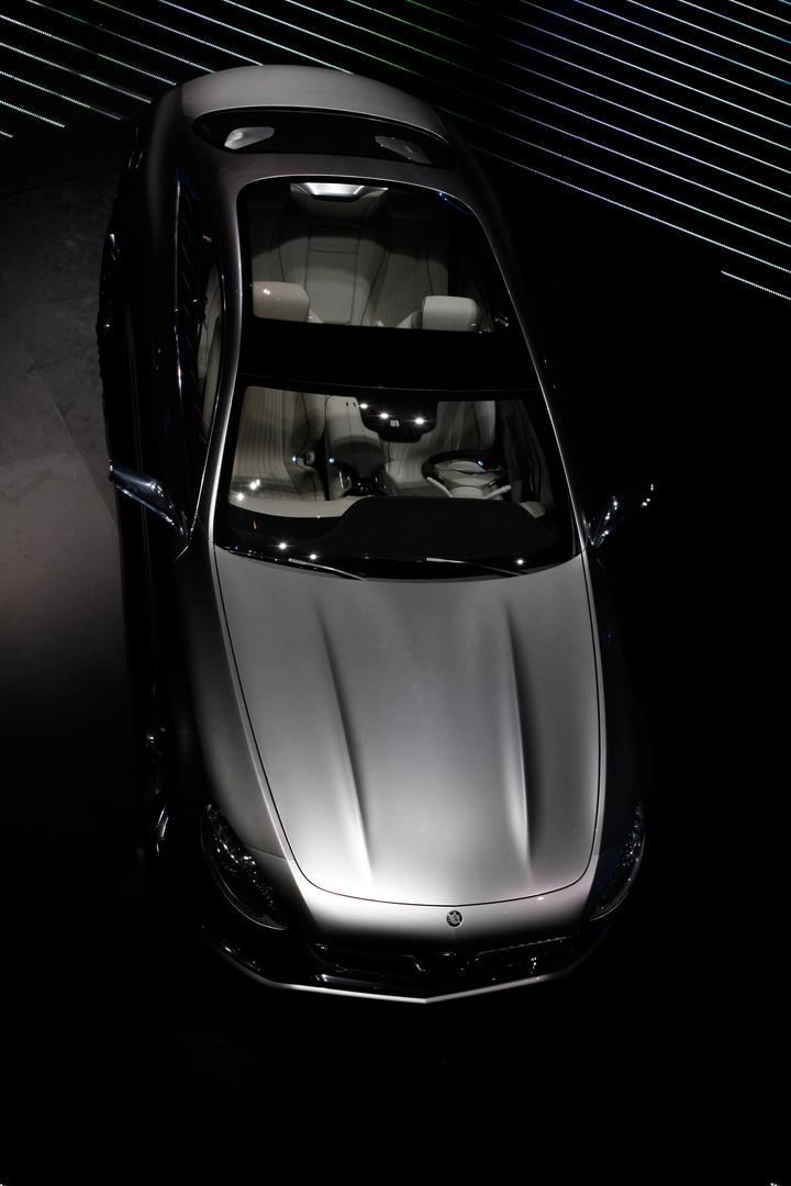 Mercedes Welt II