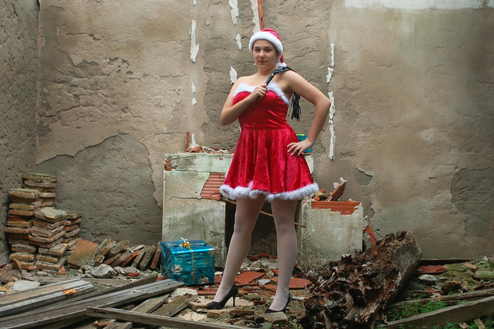 Mère Noël ou Mère Fouettard ... A vous de choisir !