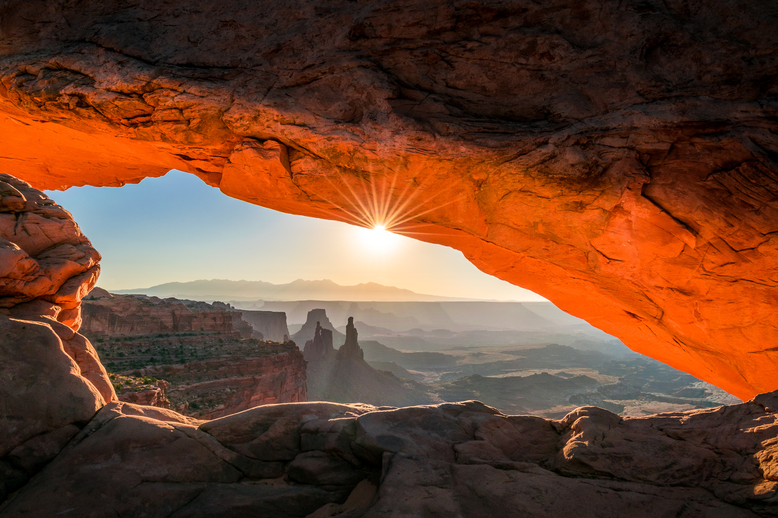 Mesa Arch at sunrise (USA)
