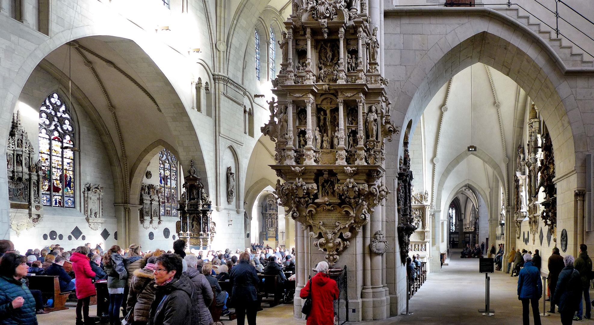 Messe im St. Paulus Dom Münster
