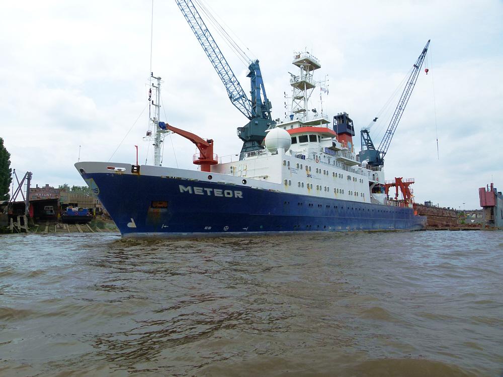 METEOR - Forschungsschiff..