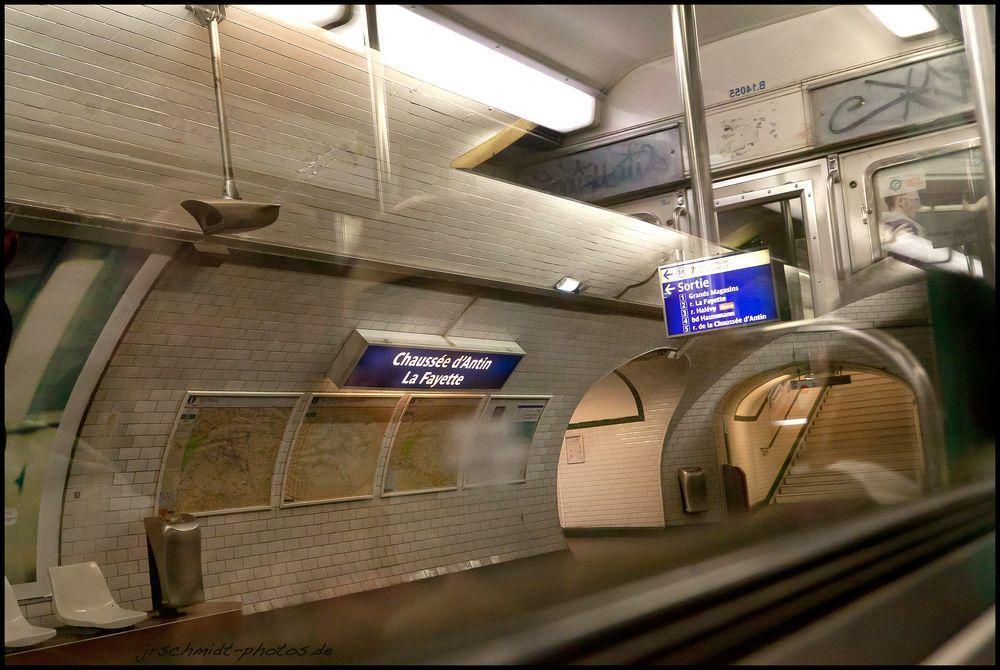 Metro...Linie M9...No1