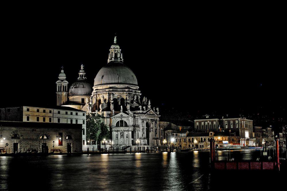Mezzanotte a Venezia