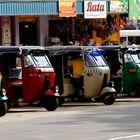 mezzi di locomozione ad Anuradhapura...vrooommmmm