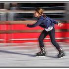 Mi sobrina Pilar CSGB patinando sobre hielo a toda velocidad