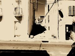 midi..rue marboeuf ..cargèse.. ille de la corseDSCN8019