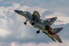 MiG 29 im Langsamflug