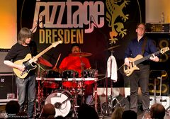 Mike Stern, Dennis Chambers, Tom Kennedy