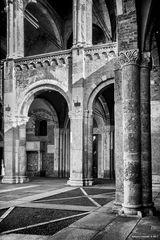 Milano, Sant'Ambrogio, archi e colonne