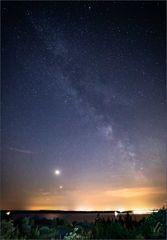 Milchstraße mit Mond + Mars über dem Störmthaler See