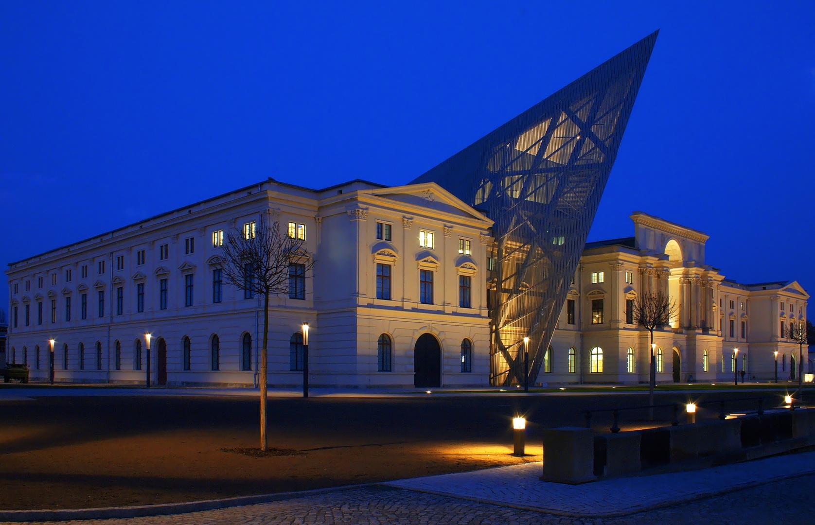 Milit rhistorisches museum in dresden foto bild architektur architektur bei nacht motive - Dresden architektur ...