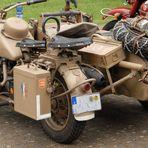 Militärmotorrad mit Beiwagen