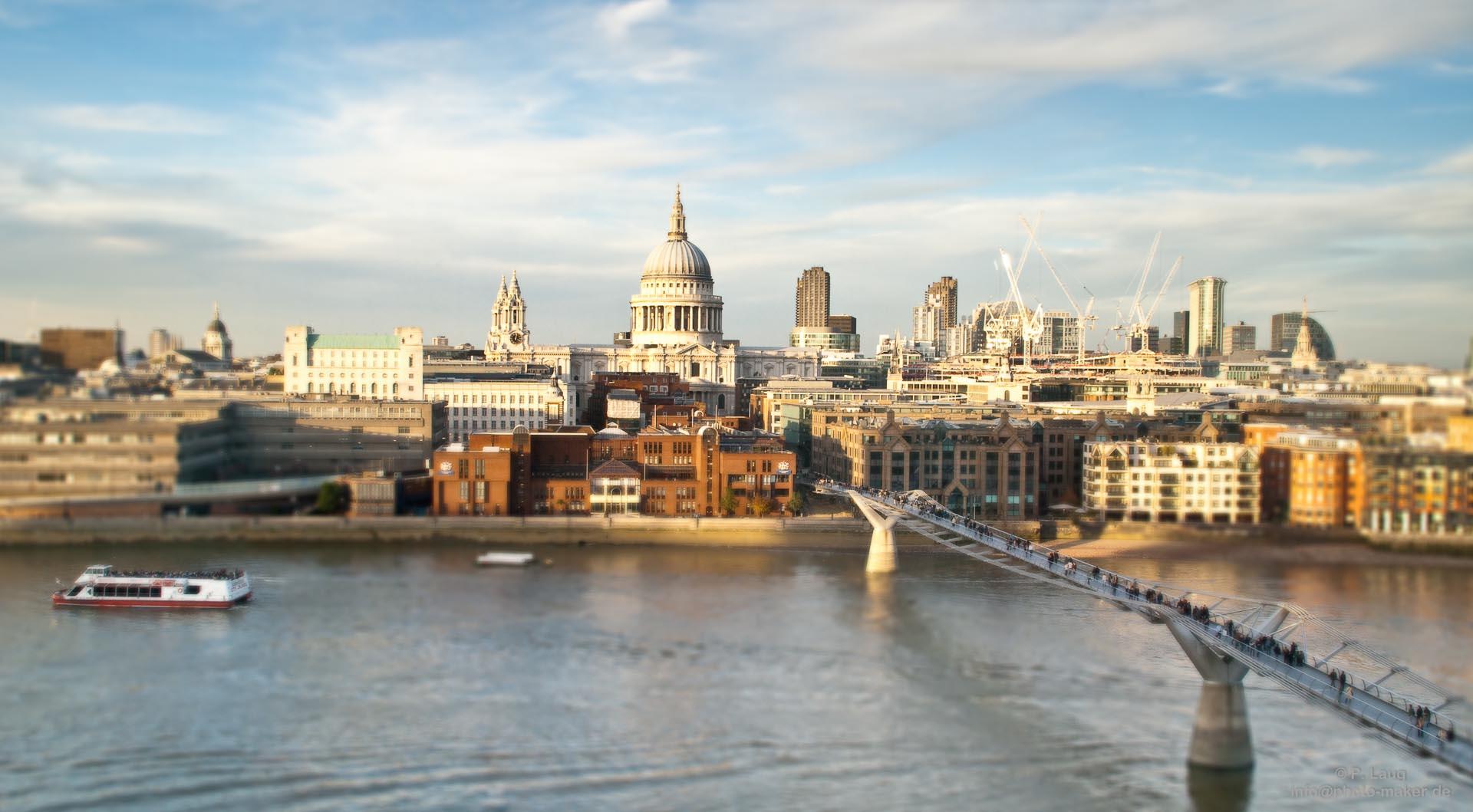 Millenium Bridge und Saint Paul's Cathedral