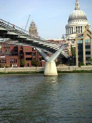 Millennium Bridge ...