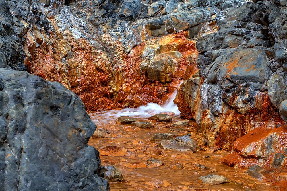 Mineralhaltig