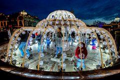 Mini-Eispalast vor dem Bolschoi-Theater in Moskau am 1.1.2014