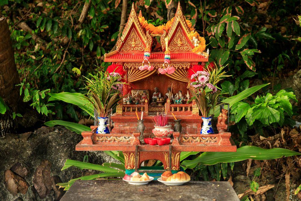 mini-tempel auf mini-insel