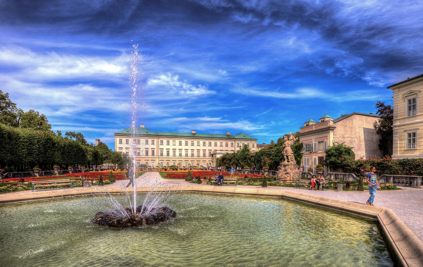 Mirabellgarten mit Brunnen