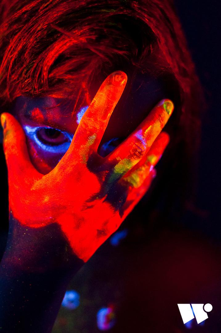 Mirjam Blacklight Portrait