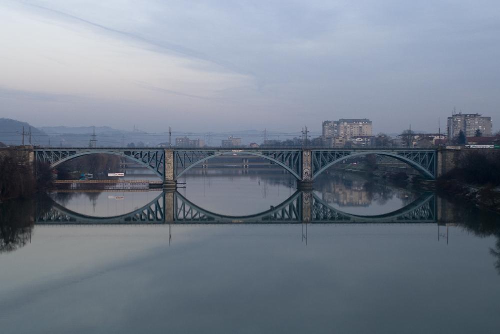 Mirror of bridge