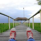 Mis tenis lejanos en el Lago de Yojoa