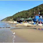 Misdroy - Strand mit Fischereihafen und Steilküste