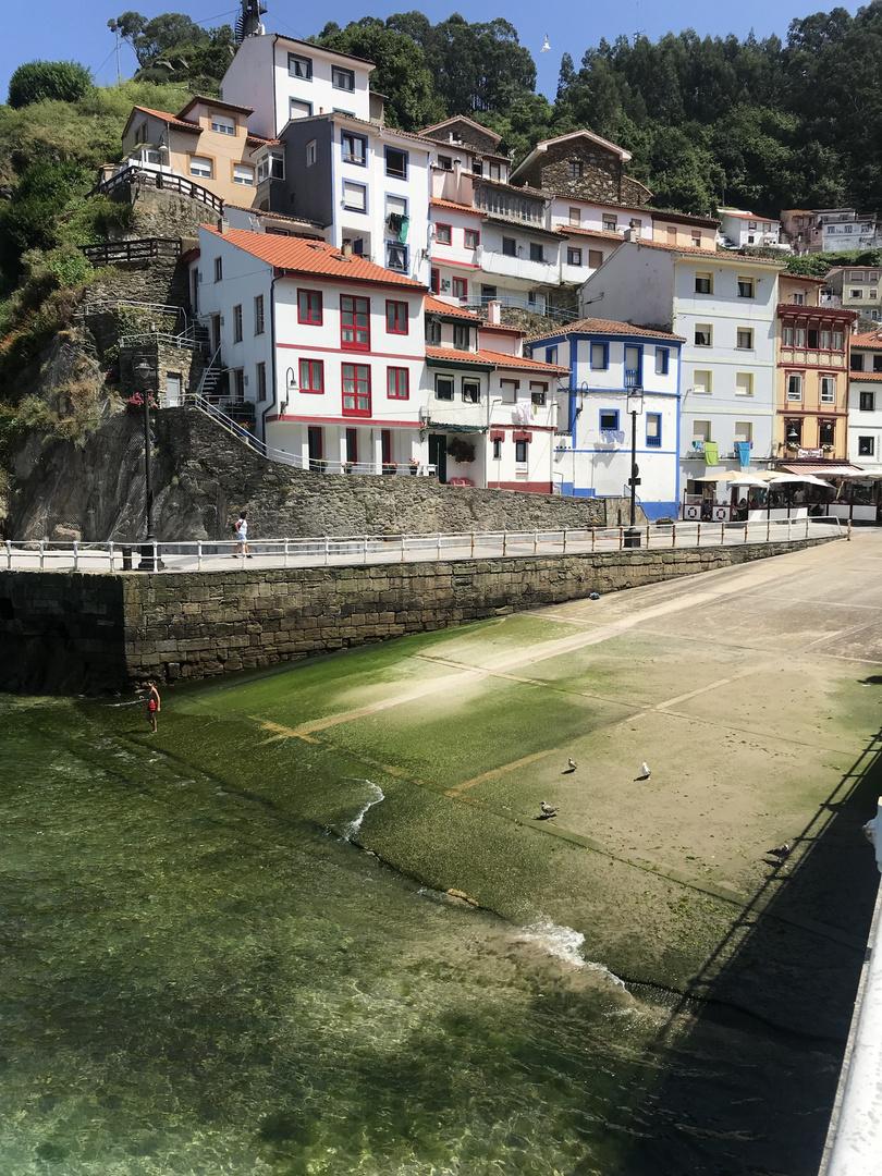 Mise à l'eau du port de Cudillero