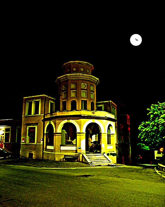 Mistery house