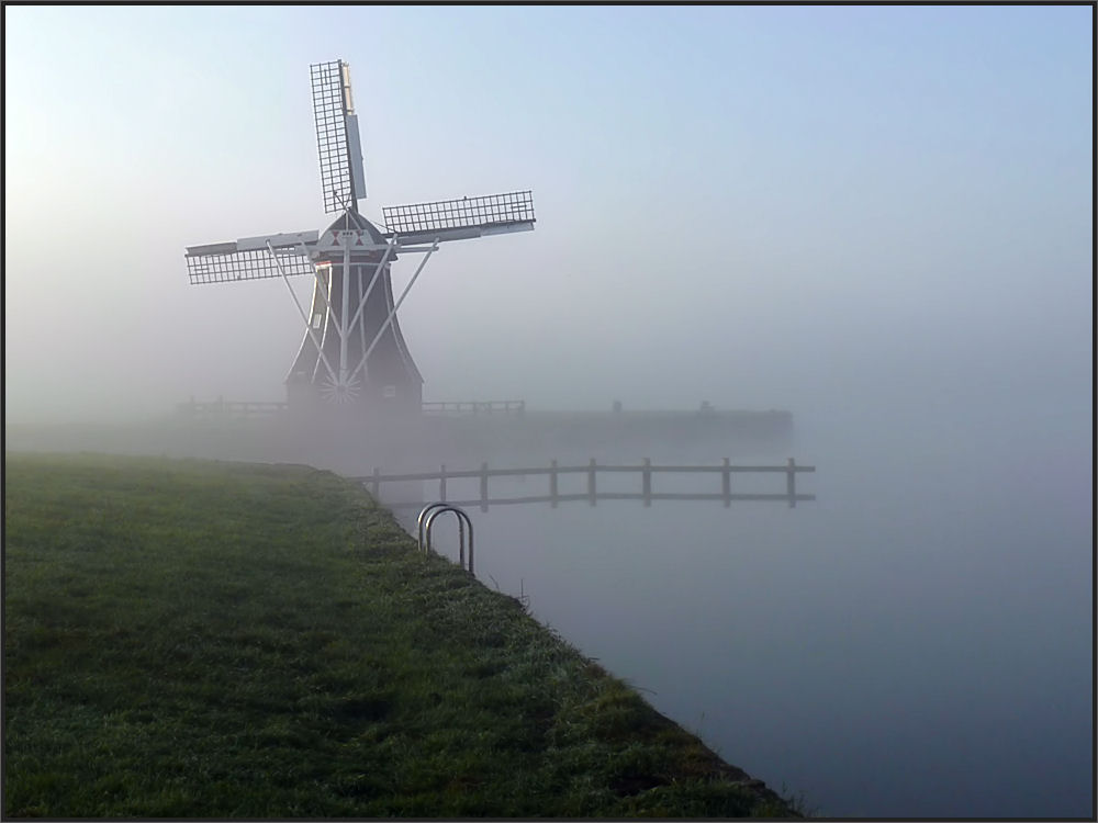 Misty morning in Holland